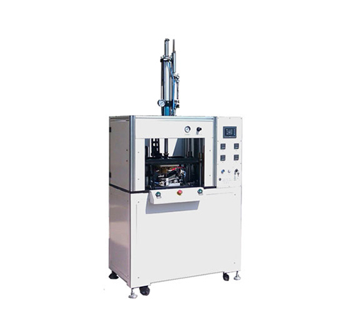 Hot riveting machine