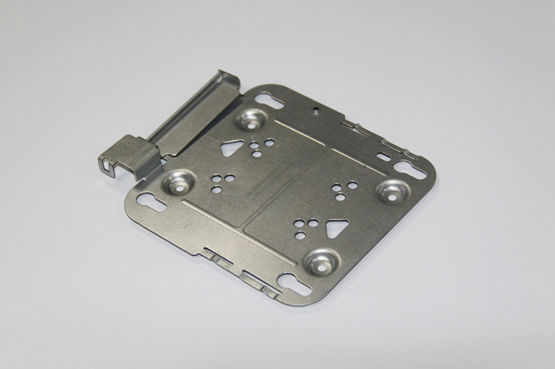 Continuous stamping die