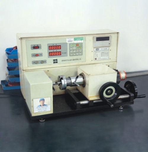 扭矩试验机