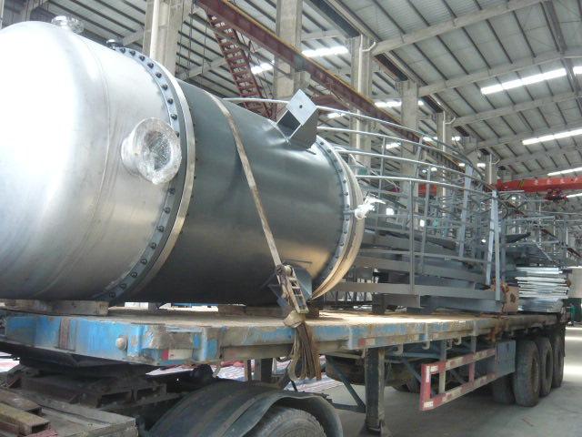 大型再沸器
