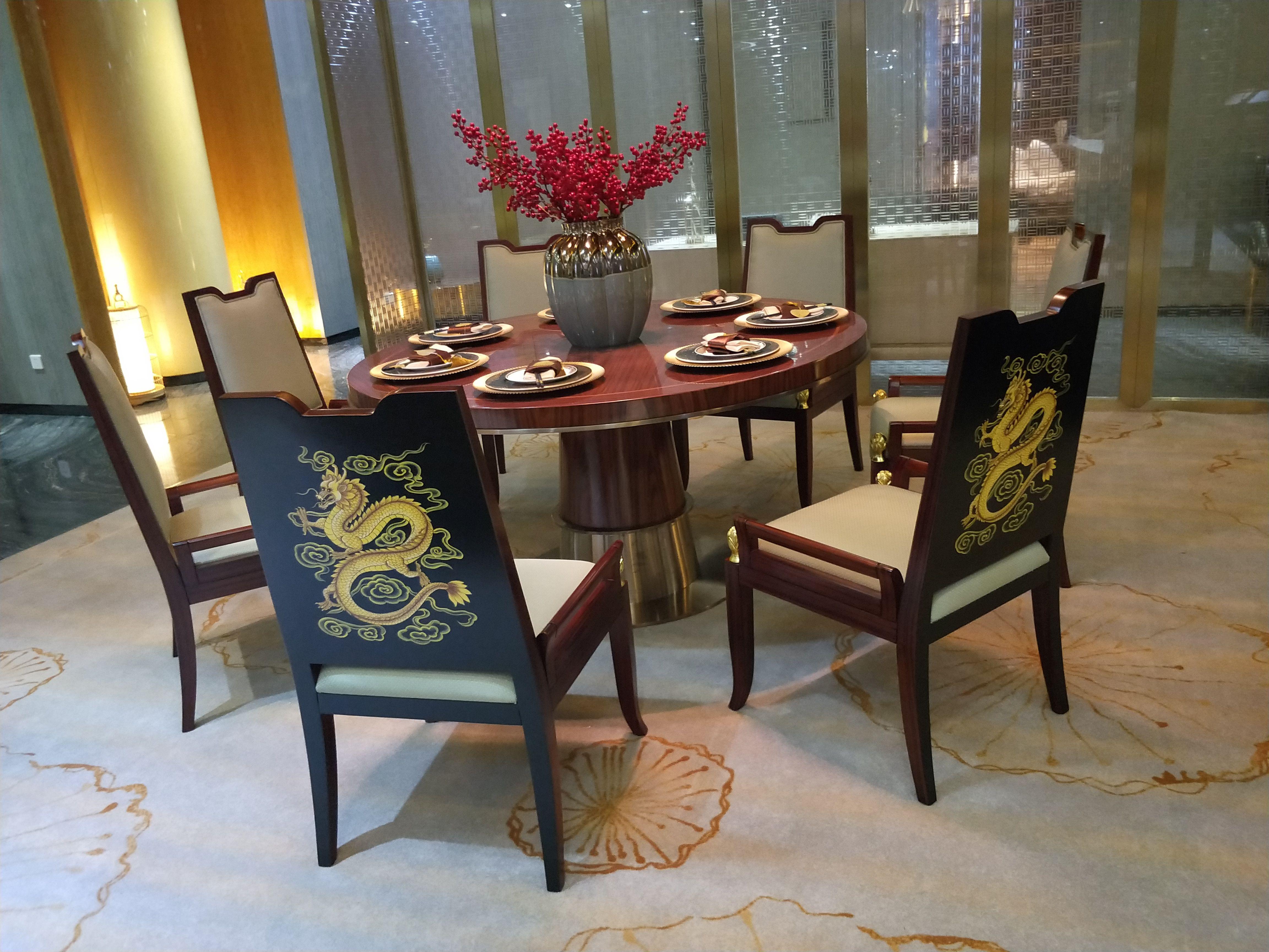 7.展厅餐桌