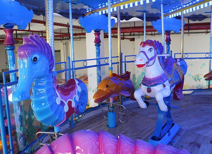 新款游乐设施-海洋转马