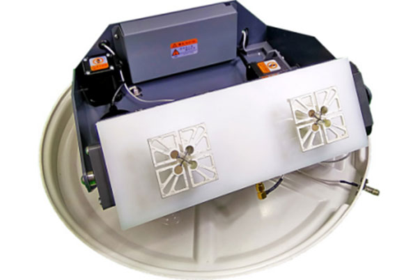 Dipole Array S-band Satcom-on-the-Move Antenna