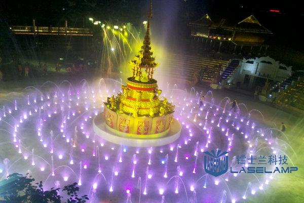 福州民俗村傣寨泼水广场