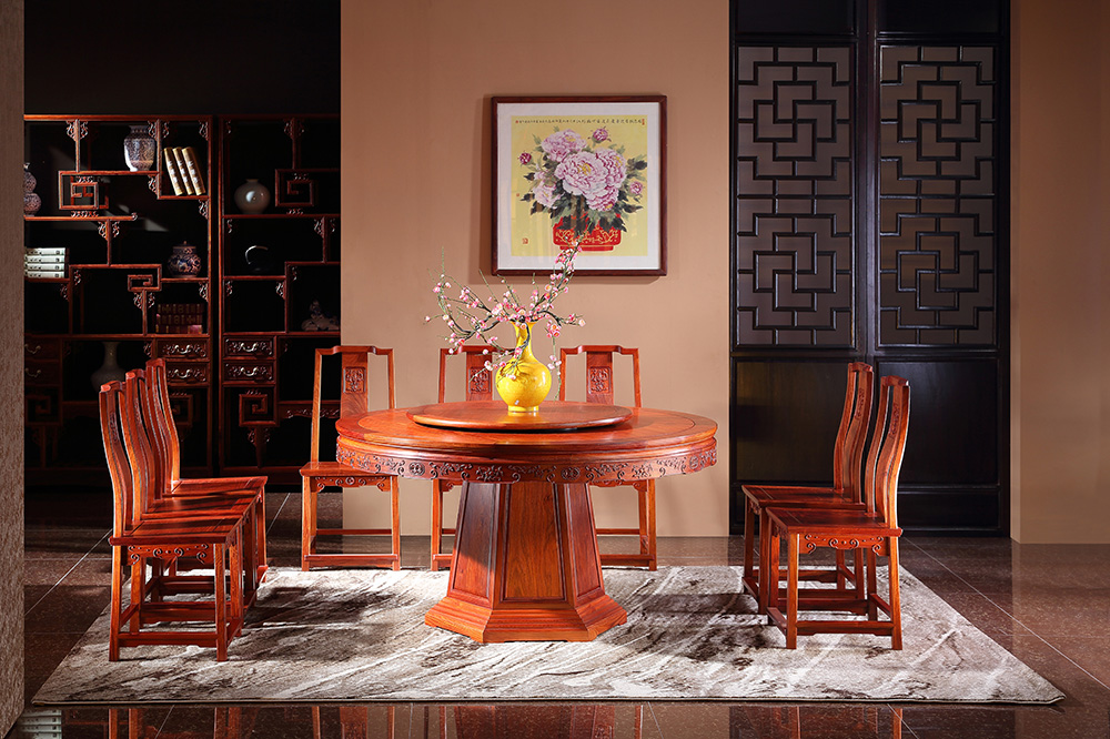 六角桶圆台和海棠线餐椅