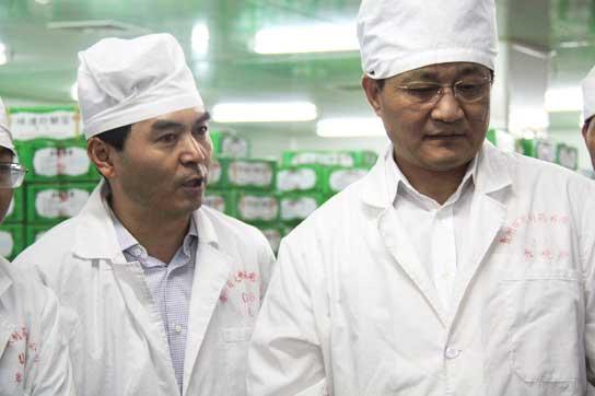 国家药监局副局长吴浈一行莅临百灵视察指导工作