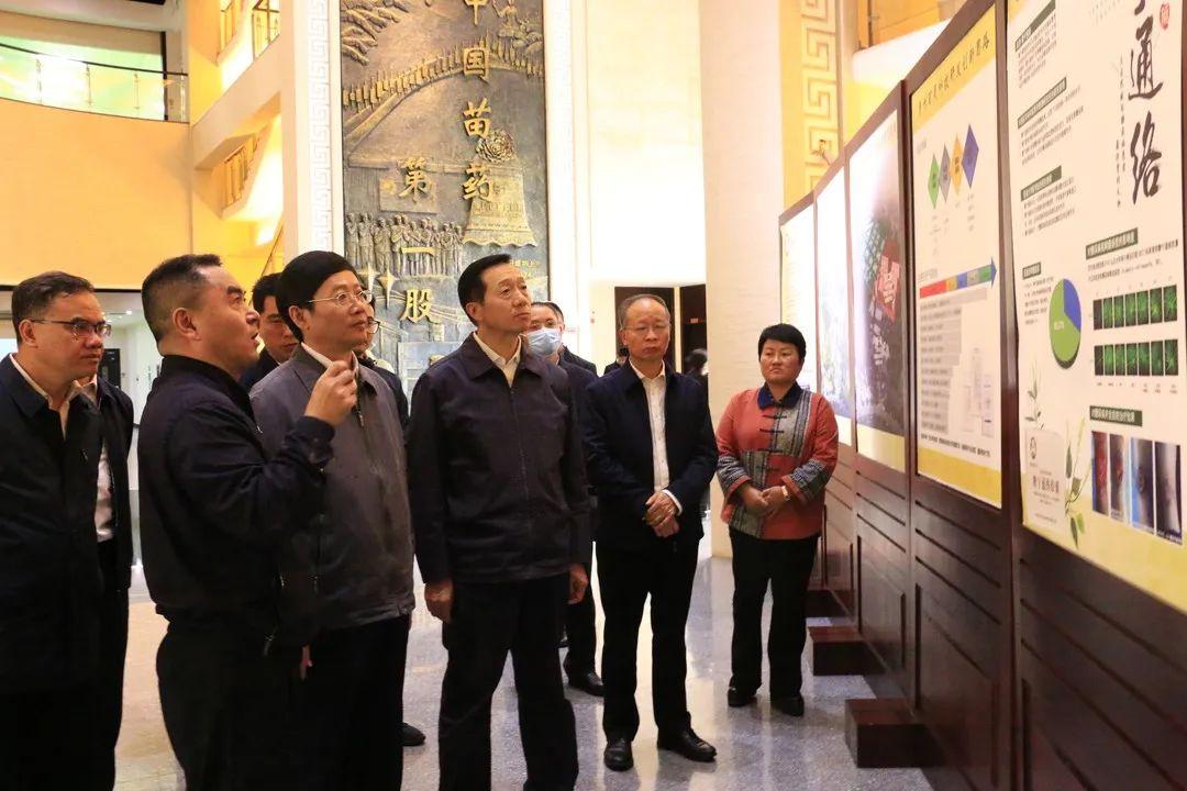 退役軍人事務部黨組成員、副部長朱天舒一行到永利集团下载app調研