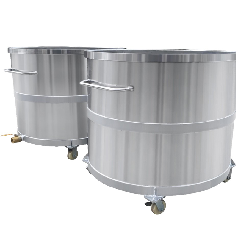STAINLESS STEEL MOVEABLE STORAGE TANK
