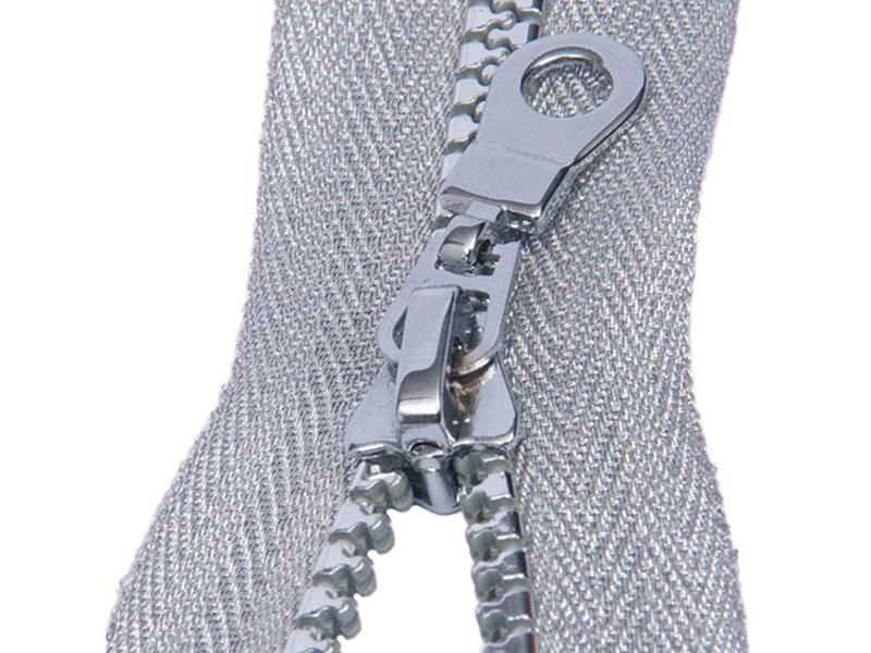 5#注塑镀银牙拉链-银丝布带