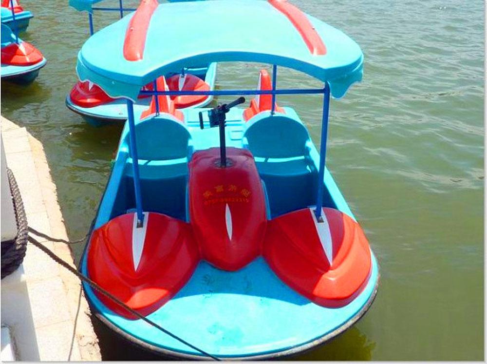 2人水战脚踏船