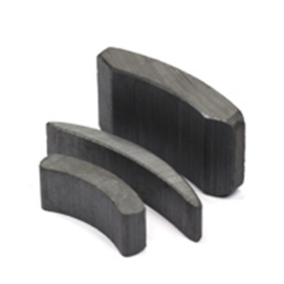 Wet Anisotropic Ferrite Magnets