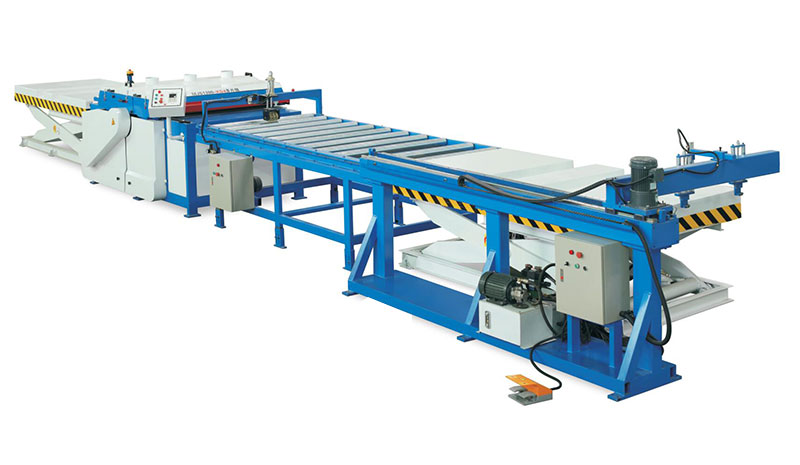 Efficient automatic loading and unloading multi-saw production line series