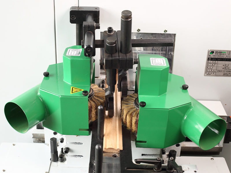 RMM723U+S 帶砂光功能的四面木工刨床
