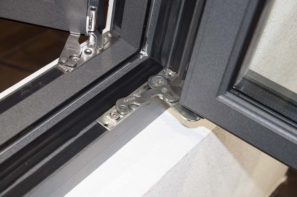 米斯特MST115窗纱一体内开系统窗