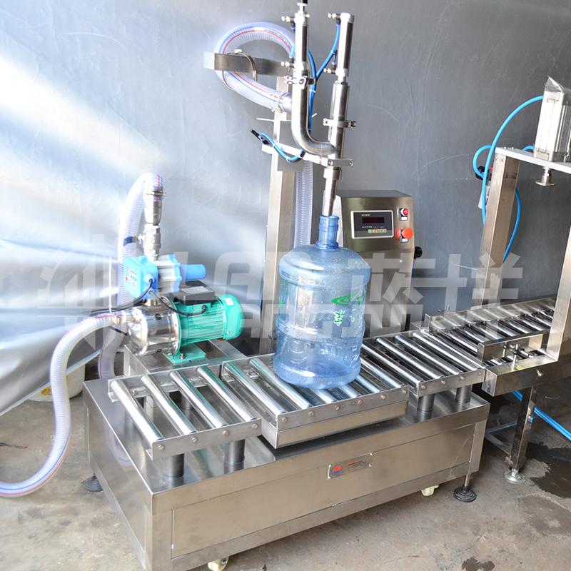 半自动矿泉水生产线大桶1.8升灌装设备 新款5加仑桶装水灌装机