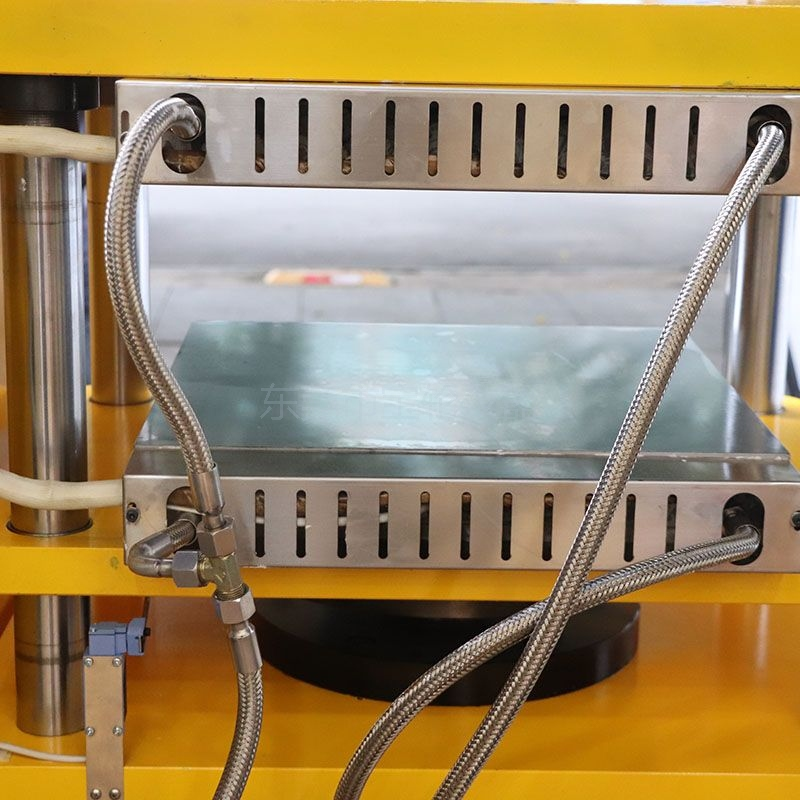 BL-6170-D 仪表型单层平板硫化机
