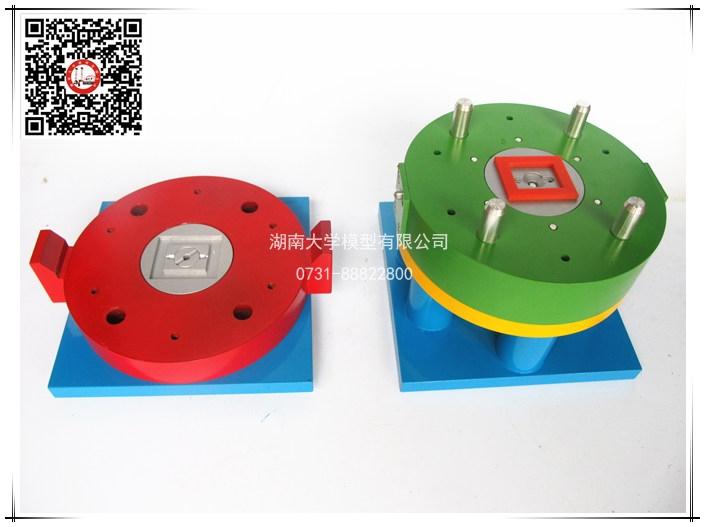 塑料模具教学模型-两侧短距离弹簧抽芯机构,八字形潜伏,浇口进料,扁形顶杆推出,复位杆复位-106121