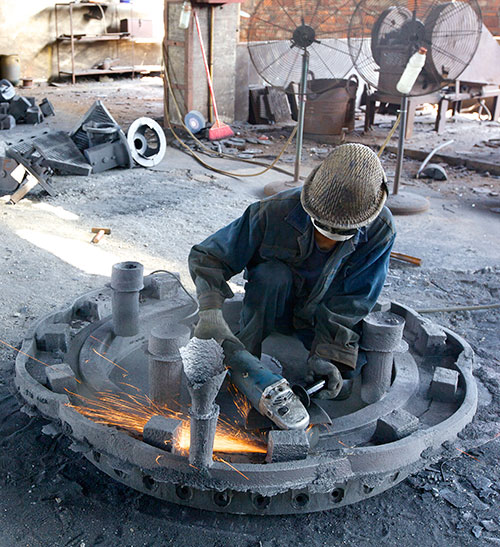 Cleaning of complex disc casting