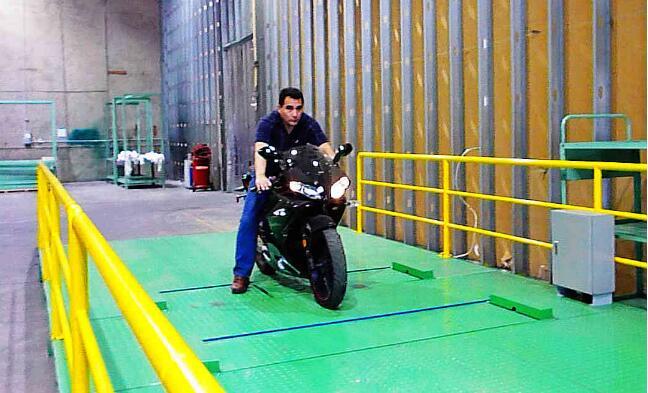 XKSQMJ全时四驱特种摩托车安全性能检测线