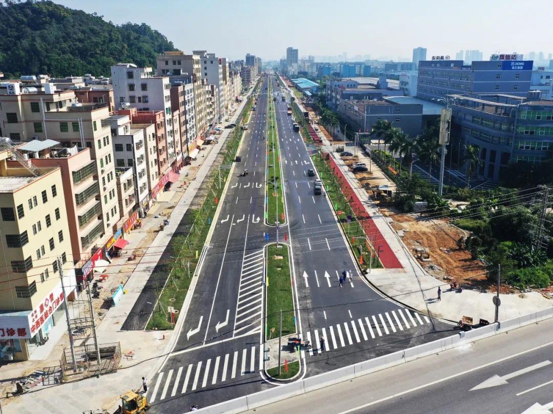 红旗镇第二批建设项目-虹晖四路通车仪式