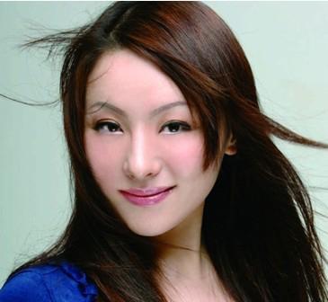 沈娜-中央歌剧院抒情女高音歌唱家