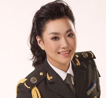 周晓琳-青年女高音歌唱家