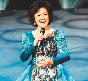 万山红-著名青年女高音歌唱家-国家一级演员