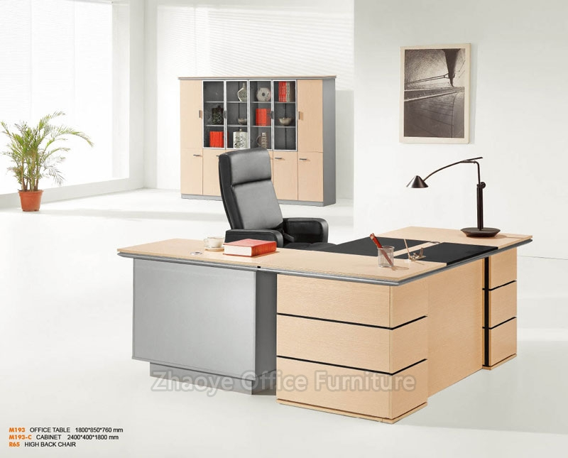 M193 OFFICE TABLE
