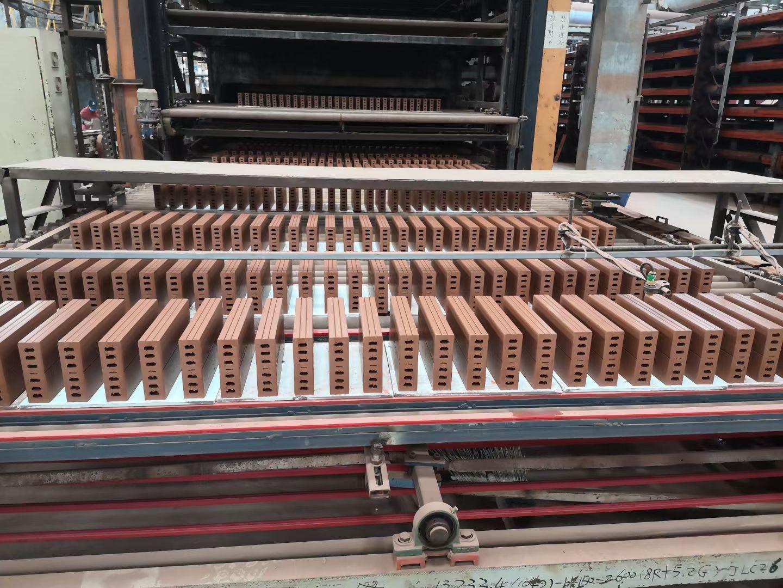 九方瓦业新增又一劈开砖生产线,年产量过百万