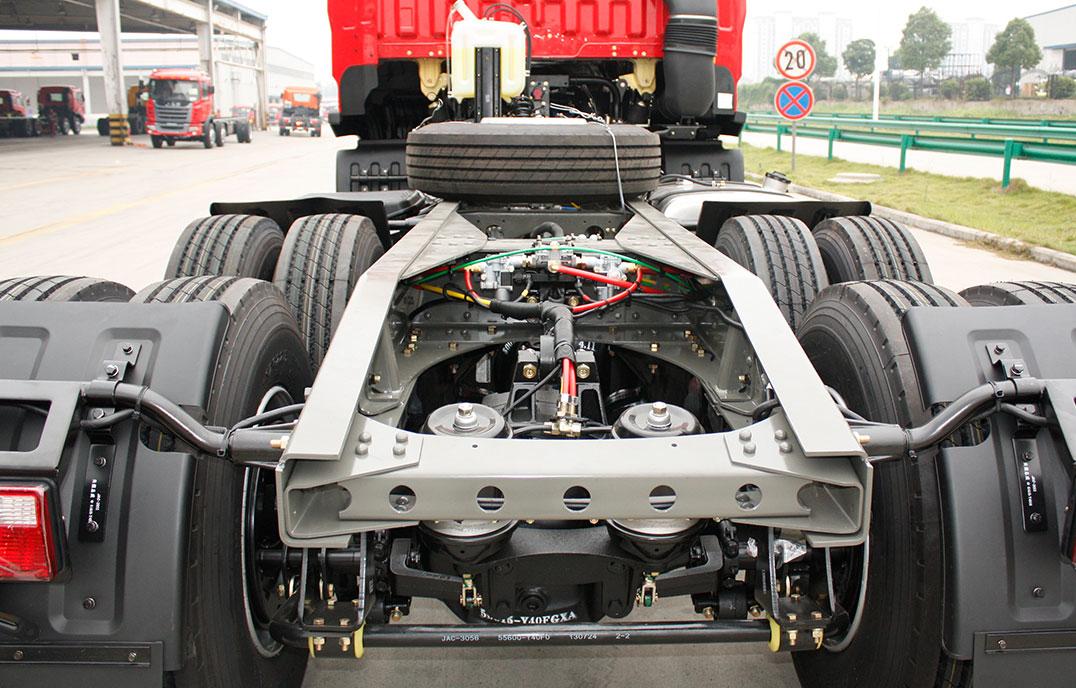 K5W 6x4牽引車