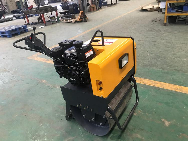 手扶單鋼輪振動壓路機SGW300