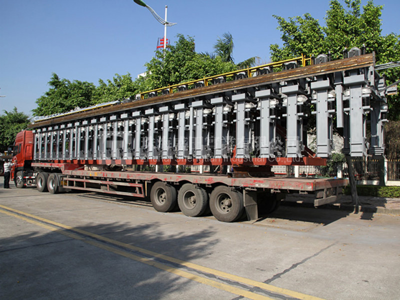甘肅連城鋁業600KA框架運輸照片