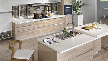 实木嵌入厨房